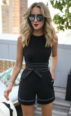 40 Trendy Summer Outfits To Wear Now - Black Belt - Ideas of Black Belt - Black Romper Black Belt Trend Fashion, Nyc Fashion, Look Fashion, Fashion Outfits, Fashion 2017, Fashion Black, Fashion Women, Luxury Fashion, Elegant Summer Outfits