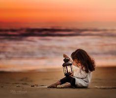 Photo Gleam by Lilia Alvarado on Light Photography, Color Photography, Children Photography, Amazing Photography, Photography Ideas, Precious Children, Beautiful Children, Portrait Editorial, Beach Poses
