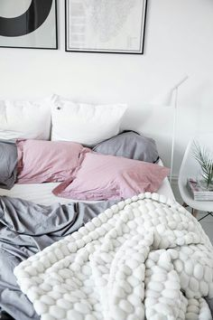 I love the texture on that blanket!