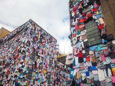 En Mai dernier, l'enseigne anglaise Marks & Spencer a réalisé une grande campagne pour inciter ses consommateurs à recycler leurs vêtements et à les échanger. Je viens de tomber sur les i…