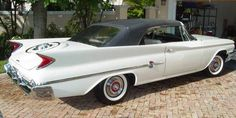Best classic cars and more! Chrysler Convertible, Counting Cars, Dodge Power Wagon, Dodge Chrysler, Best Classic Cars, Dodge Charger, Car Car, Mopar, Motor Car