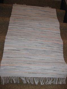grey and peach rag rug 25x52