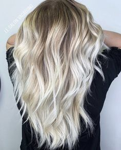 Tendance 2020 ; le blond polaire By #Lesalonvagabond Shades Of Blonde, Hair Inspo, Long Hair Styles, Makeup, Salons, Hairstyles, Beauty, Light Blonde Hair, Blonde Hairstyles