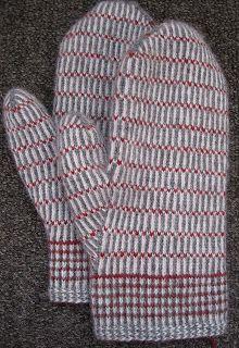 Lappone: Twined Knitting projects 2009-2010 (tvåändsstickning). Great eye candy.