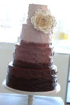 Rustic Cakes <3. Kinda feeling it for Wedding...
