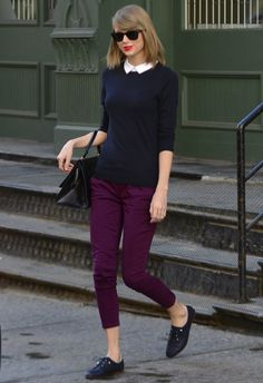 Taylor Swift wearing Ray-Ban RB4165 Justin Sunglasses Cuore & Pelle Caterina bag Zara Soft Blucher flats in Navy Ann Taylor Layered Collar Sweater