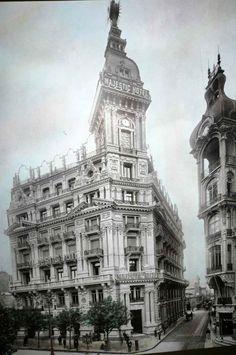 """1914: The magnificent """"Majestic Hotel"""", at Avenida de Mayo (Buenos Aires) //  El fastuoso """"Majestic Hotel"""", en Av. de Mayo  (Buenos Aires)."""