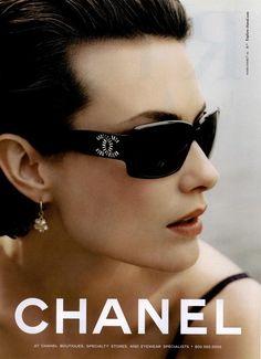 Chanel eyewear S/S 2007 (Chanel)Karl Lagerfeld - Designer Shalom Harlow - Model 2000s Fashion, Fashion Brands, Shalom Harlow, Chanel Boutique, Chanel Sunglasses, Sunglasses Sale, Organza, Campaign Fashion, Glamour