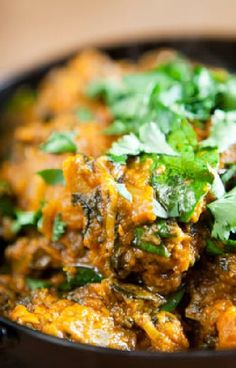 Low FODMAP and Gluten Free Recipe - Chicken and spinach balti - http://www.ibssano.com/low_fodmap_recipes_chicken_spinach_balti.html