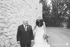 YolanCris  Paloma elige el vestido Bulgaria de la colección Ibiza para su boda en Medina de Pomar  #novias #brides #weddingdress #bridalgown