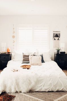 30 Boho chic Bedroom decor ideas and inspiration – simple cozy neutral bohemian … - All About Decoration Boho Chic Bedroom, Dream Bedroom, Home Decor Bedroom, Modern Bedroom, Bedroom Ideas, Bedroom Wall, Bedroom Inspiration, Tapestry Bedroom, Wall Tapestry