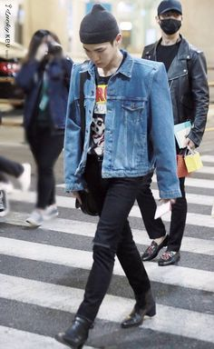 17.03.28 Key and Minho Incheon Airport. Home from America.