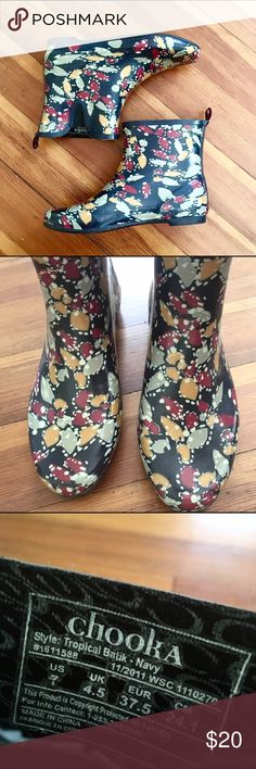 Cute Chooka Rain Boots Booties Size 7 Cute navy blue rain booties with bright tropical print. Unworn. Fit true to size. Regular width (not too wide as most rain boots are). Height slightly above ankle. (Not FP, the brand is Chooka, but it's not in the list 🙁) Free People Shoes Winter & Rain Boots
