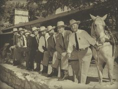 For nearly 200 years, the Texas Rangers have been protecting the frontier, and the Texas Ranger Museum and Hall of Fame shares their compelling historic images of the oldest state law enforcement Pictures Of Police, Cowboy Pictures, Texas Rangers Law Enforcement, Progress Book, Us Marshals, Texas History, South Texas, Military Police, Mountain Man