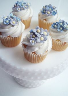 Mother's Day Cupcakes by such pretty things, via Flickr