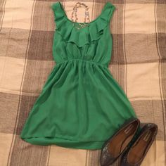 🎉HP🎉Love Culture Sleeveless Mini Dress This beautiful green mini dress is very stylish. You can tie a bow in the back or a tie! Elastic waist band, so has a lot of stretch. Definitely fits medium. Love Culture Dresses Mini