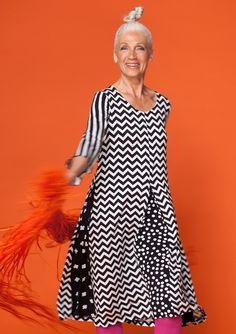 "Tryckt trikåklänning ""Twiggy"" i micromodal/elastan – Kjolar & klänningar – GUDRUN SJÖDÉN"