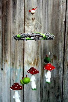 A toadstool mobile - HOME SWEET HOME - I love toadstools! So I made a hanging mobile with handpainted toadstools, that have vintage lace skirts hope You like it! Diy Craft Projects, Craft Tutorials, Diy Crafts, Craft Ideas, Wet Felting, Needle Felting, Mushroom Crafts, Waldorf Toys, Idee Diy