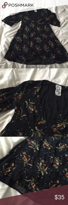 Sadie & Sage Black Floral Long Sleeve Mini Dress Bloomingdales Sadie & Sage Black Floral Long Sleeve Mini Dress size Medium - dandelion sunflower print  ---- 🚭 All items are from a non-smoking home. 👆🏻Item is as described, feel free to ask questions. 📦 I am a fast shipper with excellent ratings. 👗I love bundles & bundle discounts. Feel free to make an offer! 😍 Like this item? Check out the rest of my closet! 💖 Thanks for looking! Sadie & Sage Dresses