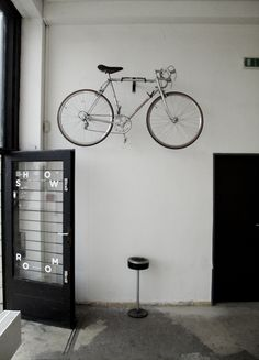 i need this wall bracket thing for my bike