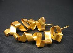 Letizia Plankensteiner –Schmuckunikate, Ohrringe Wellen Gold