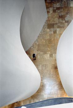 33arquitectures:  Guggenheim Bilbao / Frank O. GehryPhoto: Duccio Malagamba