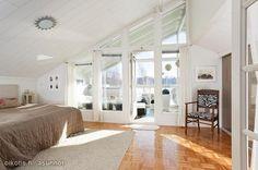 Bedroom with a terrace / Makuuhuone terassiparvekkeella