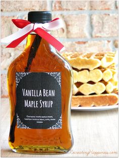 Vanilla Bean Maple Syrup: A touch of vanilla adds a little elegance to pure maple syrup. It's an easy way to make an extra special pour-over for waffles and pancakes galore. Homemade Maple Syrup, Maple Syrup Recipes, Homemade Christmas Gifts, Homemade Gifts, Holiday Gifts, Christmas Crafts, Diy Food Gifts, Edible Gifts, Texas Gifts