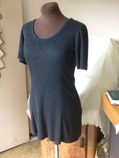 Mini abito Grazioso mini abito in viscosa color bluette taglia M. Altre misure su ordinazione .  € 65.00