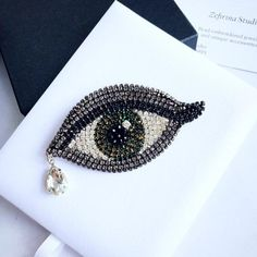 Green evil eye brooch crystal embroidered statement jewelry - The Effective Pictures We Offer You About jewelry set A quality picture can tell you many things. Beaded Brooch, Crystal Brooch, Crystal Jewelry, Beaded Jewelry, Crochet Earrings, Unique Jewelry, Bridal Jewelry, Jewelry Rings, Jewelry Accessories