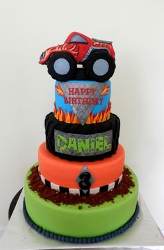 Monster Truck Cake Monster Trucks, Monster Truck Birthday, Monster Jam, Fancy Cakes, Cute Cakes, Sweet Cakes, Themed Birthday Cakes, Themed Cakes, Beautiful Cakes