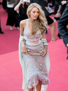 My hair is a safety net for me', says blake lively - independent. Blonde Hair Makeup, Balayage Hair Blonde, Guy Tang, Red Hair Color, Blonde Color, Blonde Hair Black Girls, Cannes Film Festival 2014, Casino Royale Dress, Colored Hair Tips