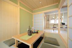 A-T house:造作掘りごたつのある真壁和室。桧の化粧柱が美しい落ち着いた空間です。