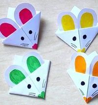 DIY mouse corner bookmark- easy paper craft for kids // Egyszerű egér sarok könyvjelző - kreatív ötlet gyerekeknek papírból // Mindy - craft tutorial collection // #crafts #DIY #craftTutorial #tutorial
