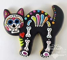 Day of the dead cat cookies. Halloween Chic, Halloween Baking, Halloween Desserts, Halloween Cookies, Halloween Treats, Halloween Decorations, Cat Cookies, Fancy Cookies, Royal Icing Cookies