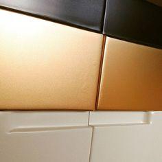 Gold!! Detalle del tirador para puertas de armario. #armarios #tiradores #lacado #dorado #carpinteria #decoracion #interiorismo