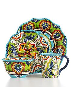 I want these dishes soooooo bad.  They have a Mexican feel to them that makes my heart SING!!!
