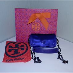 Tory Burch Mini Crossbody Bag Great condition clean inside and out no rips it come with dustbag Tory Burch Bags Crossbody Bags