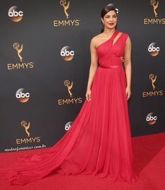 Priyanka Chopra de Jason-Wu no Emmy Awards 2016