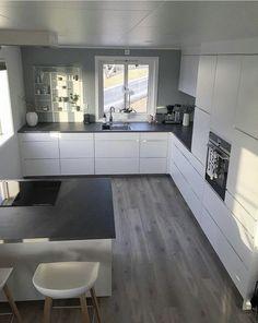 Modern Kitchen Interiors, Luxury Kitchen Design, Kitchen Room Design, Elegant Kitchens, Luxury Kitchens, Home Decor Kitchen, Interior Design Kitchen, Kitchen Furniture, Home Kitchens