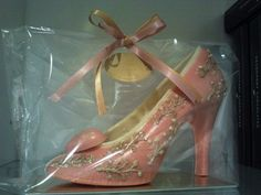 Edible pink stiletto at Flavours of Langham, handmade by Devonport Chocolates in Auckland