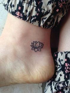 43 Attractive Lotus Flower Tattoo Designs after learning about Lotus tattoos and what they mean . I've wanted one for so bad Small Girly Tattoos, Tiny Tattoos For Girls, Cute Tiny Tattoos, Pretty Tattoos, Mini Tattoos, Foot Tattoos, Beautiful Tattoos, Body Art Tattoos, Tattoos For Women