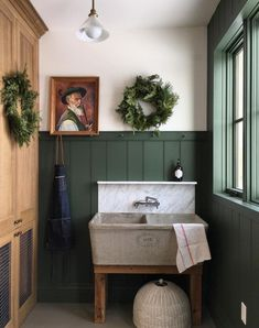 Looking for inspiration to decorate your laundry room in style? Here are 100 fabulous laundry room decor ideas that will set you on the right path. Laundry Room Design, Laundry Room Utility Sink, Laundry Tubs, Laundry Decor, Laundry Area, Mudroom, Interior Inspiration, Room Inspiration, Sweet Home