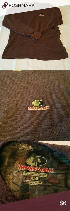 Mossy Oak Long Sleeve Shirt. NWOT. Size M. Maroon Men's Mossy Oak Henley Shirt  Size Medium Brand NEW Without tags Maroon  Long Sleeve  Pullover Mossy Oak Shirts Tees - Long Sleeve