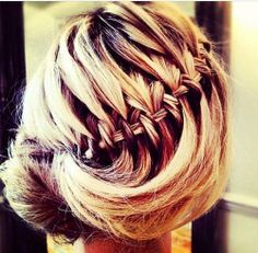 Savory Women afro hairstyles long hair,Curly braided hairstyles and Wedding hairstyles capelli lunghi. Hairstyles With Bangs, Pretty Hairstyles, Braided Hairstyles, Wedding Hairstyles, Braided Updo, Wedge Hairstyles, Updos Hairstyle, Brunette Hairstyles, Asymmetrical Hairstyles