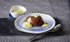 Unser beliebtes Rezept für Mousse au chocolat mit Pistazien-Sabayon und mehr als 55.000 weitere kostenlose Rezepte auf LECKER.de.