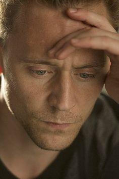 He's so pretty wtf Loki Marvel, Marvel Actors, Avengers, Thomas William Hiddleston, Tom Hiddleston Loki, My Tom, Loki Laufeyson, Tall Guys, Tony Stark
