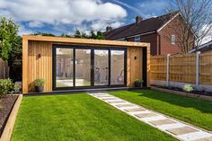 The UK's original garden room company - Green Retreats. 'The Edge' by Green Retreats can be built in sizes from x with prices from Backyard Office, Garden Office, House Extension Design, House Design, Brick Extension, Garden Design, Garden Gym Ideas, Contemporary Garden Rooms, Summer House Garden