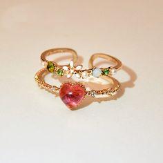 Diamond Bracelet / Diamond Disc Bracelet in Solid Gold / Circle Bracelet / Layering Bracelet / Dainty Gold Bracelet / Valentines Day - Fine Jewelry Ideas Cute Jewelry, Jewelry Box, Jewelry Accessories, Fashion Accessories, Fashion Jewelry, Jewlery, Accesorios Casual, Cute Rings, Gold Bands