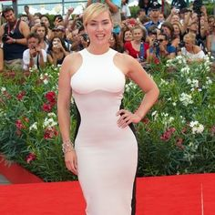 Kate Winslet  in a stunning optical illusion dress.